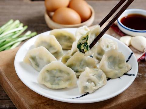 做韭菜饺子,最忌讳放这2种调料,不少人喜欢放,难怪饺子不香
