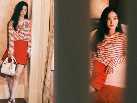 赵丽颖甜美风格惊艳亮相,长发配红条纹装俏皮似少女,生图亦超美