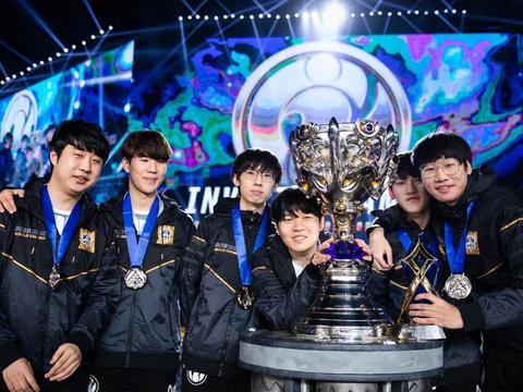 LPL奇葩事件!iG夺冠两年了,副总发声:S8奖杯仍没踪影!