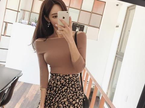深棕咖啡螺纹衫高腰长裙