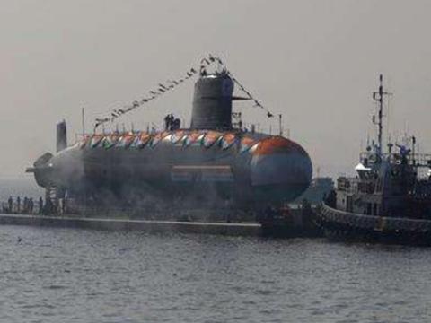 印度核潜艇忘关阀门,大量海水贯入,两百亿美元差点打水漂