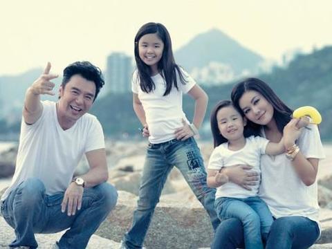 女大十八变!钟镇涛为3女儿庆祝16岁生日,亭亭玉立变美少女