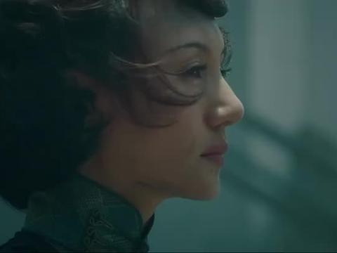 袁泉太美了,难怪发哥一直忘不了她,她就是初恋的样子