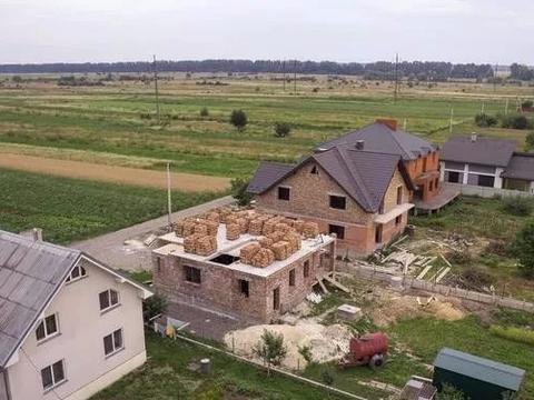 农村的土地,村干部不能随意买卖!土地是村集体的不是村委会的