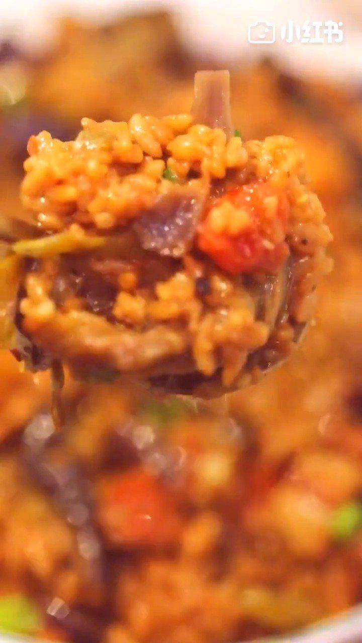 茄子烧肉焖饭