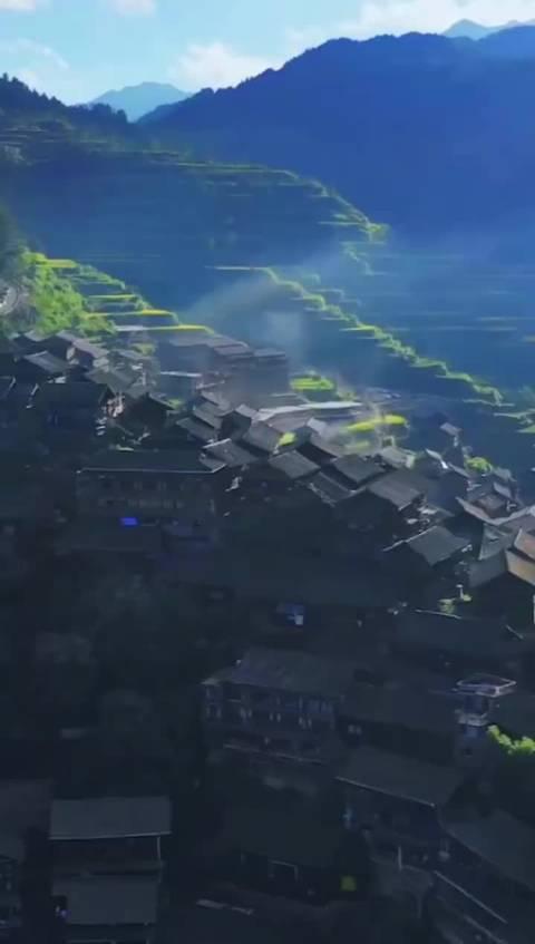 贵州•中国西江千户苗寨 这是中国乃至世界最大的苗族村寨……