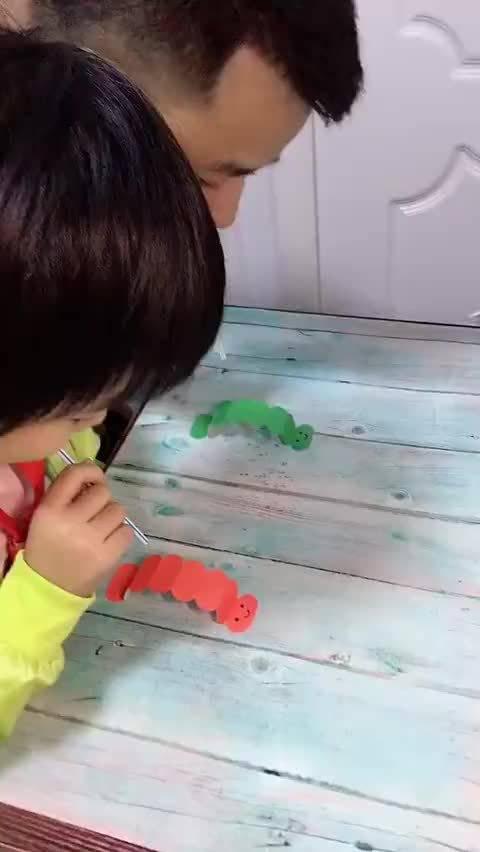 """""""小虫快跑""""教程,马住!假期陪孩子一起玩吧"""