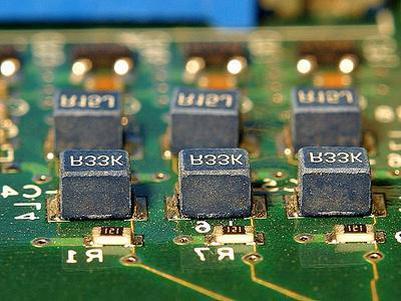 紫光国微(002049)公司首次覆盖报告:终止收购、特种IC两翼齐飞