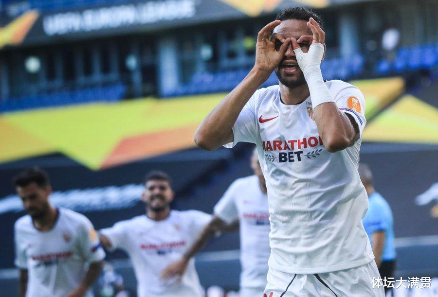 输球输人!罗马0-2塞维利亚,无缘欧联杯八强,曼奇尼肘击染红