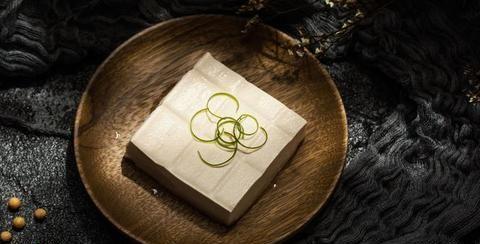 豆腐和这个绿色蔬菜一起煮,真是爽口又好吃还能瘦身,真是太棒了