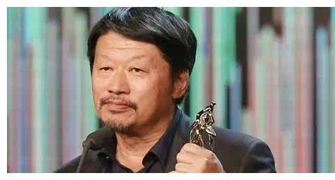 他捧红了靳东和王凯,自己却喜欢跑龙套