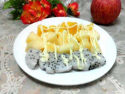美食凉菜分享:苹果沙拉、凉拌秋葵、蒜泥黄瓜的简单做法