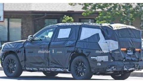 新款Jeep大切诺基变帅了,内饰画风调整,升级旋钮换挡
