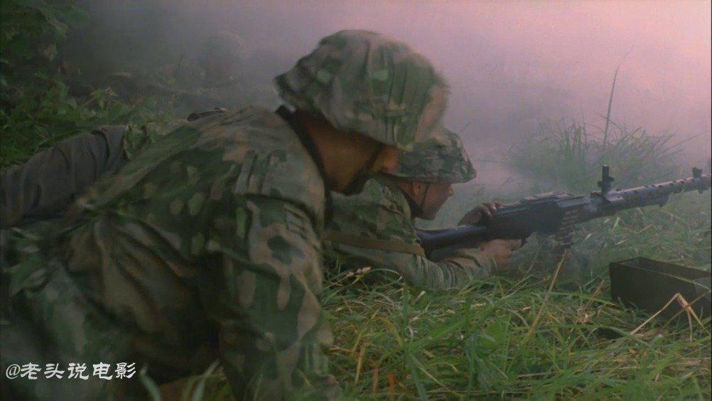 《星星》又名《 星星敢死队》:经典之作,二战影片真实……