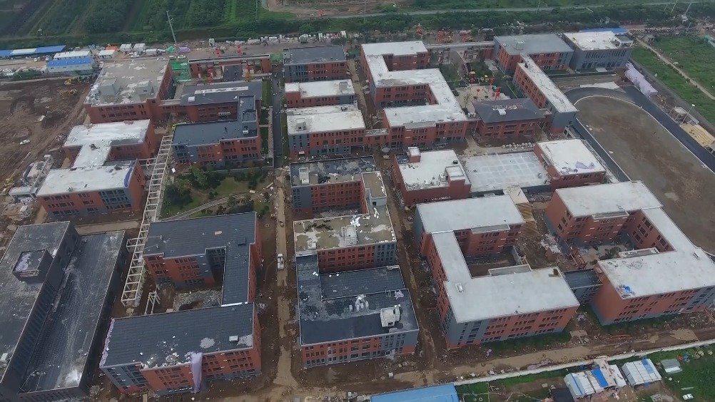 高新区第五高级中学和第六学校通过竣工验收