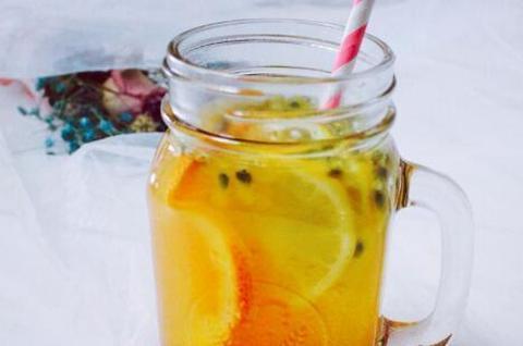 怎么做百香果柠檬茶?冰箱里常备的爽口饮品