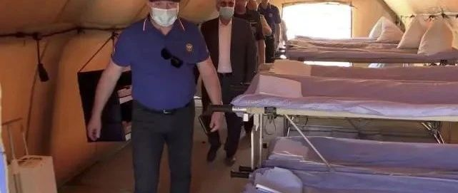 十多国援建野战医院!马克龙到访后,超10万人求法国托管黎巴嫩