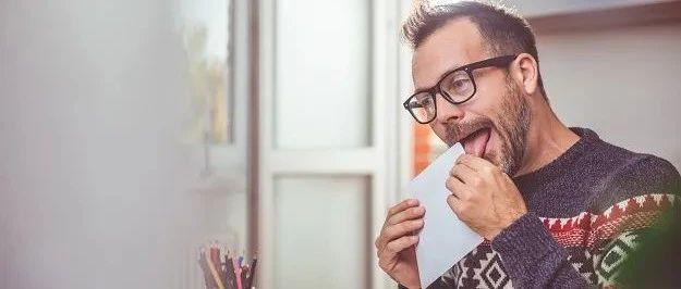 邮票、试卷都用舔,法国人能用口水解决的绝不用胶