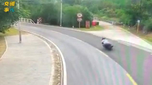 转自网友,坐标北京门头沟,一位摩托车骑手。。。🙏🙏🙏