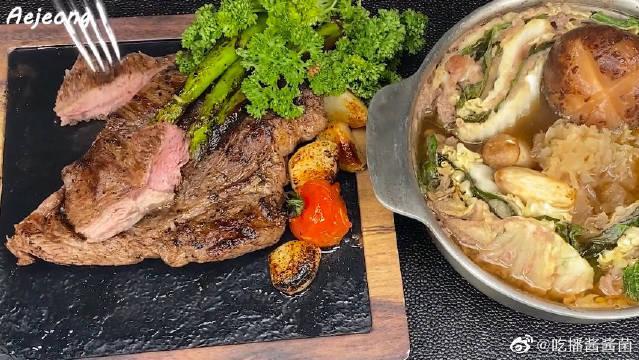 """韩国萌妹子吃播,吃""""牛排+牛肉蔬菜汤锅"""",看看这吃相……"""