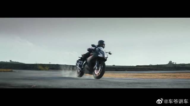 Honda CBR250RR 广告