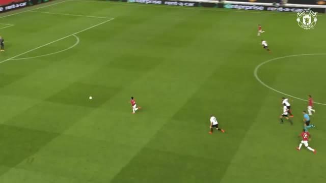 林加德和马夏尔在对阵林茨的比赛中都打进了关键进球……