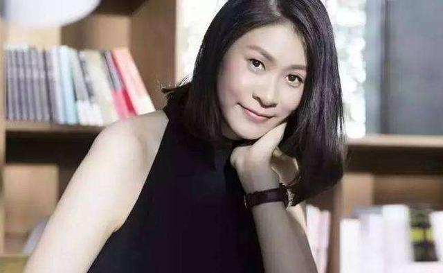 中国排球女神赵蕊蕊,退役转型成作家,年近40仍单身