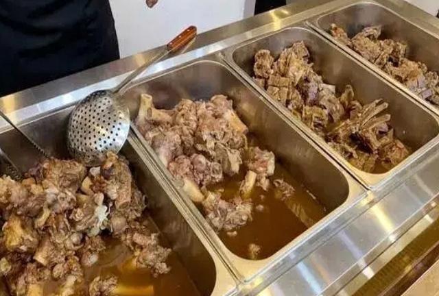 每人三、四十元的大骨头自助餐,你敢吃吗?
