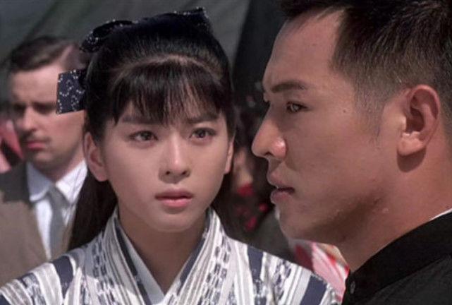 她是日本女星,曾搭档李连杰仰慕于他,如今46岁仍孤身一人!
