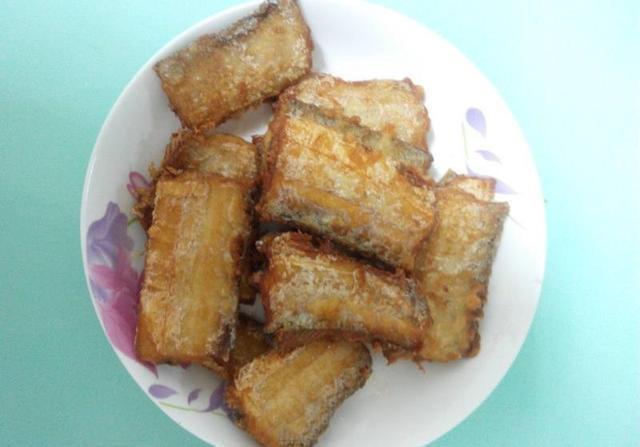 冷冻带鱼加上它 鲜咸中带着一丝微甜和香脆 美味经典家常菜的做法