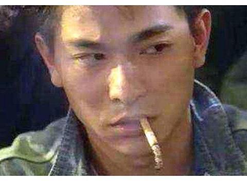 鼻孔冒烟不算啥,在影视作品中演绎抽烟的四种最高境界