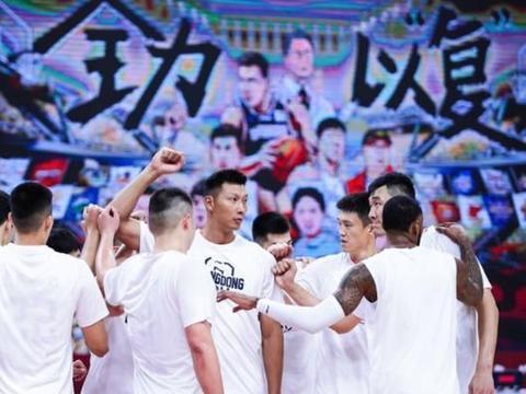 生死战阿联复出砍18+14,广东3分险胜北京,队史第15次杀入总决赛