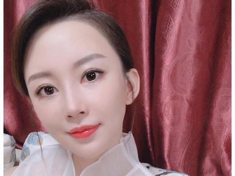 台球女神潘晓婷近况曝光,颜值身材宛如少女,38岁仍单身未嫁人
