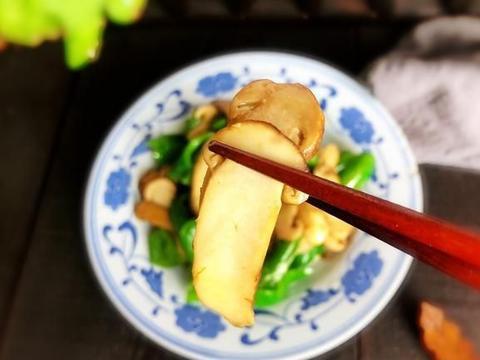 这盘素菜比鱼鲜比肉香,难怪这么贵,一年一季别错过,且吃且珍惜