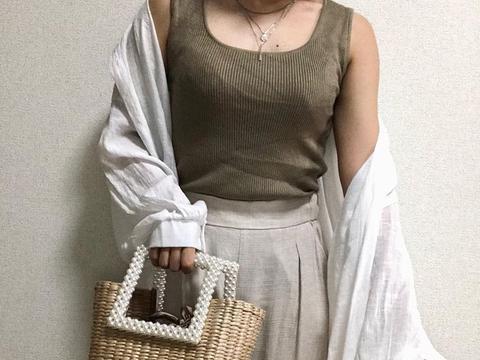 默默占据Ins版面:Zara这款珍珠包包彰显奢华感细节!