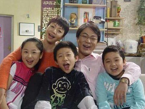 6岁被成龙抱着演出,14岁搭档赵丽颖被骂退圈,今留学归来成女神