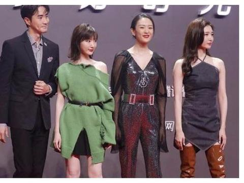 江疏影的腿在娱乐圈出了名的漂亮,红毯造型师却给她套了一双长靴