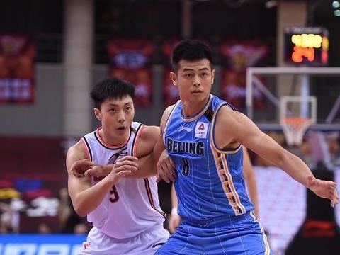 尤度空砍24分21篮板,北京男篮三分惜败,广东队险胜进入总决赛