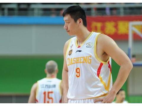 38岁唐正东近况:曾被誉为中国奥尼尔,如今身价上亿成老总