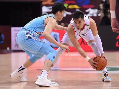 张庆鹏:辽宁75.9%总冠军!京粤G3:阿联复出PK首钢,小心肘击?