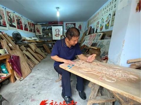 """以木为""""纸"""",济南莱芜区54岁木版年画传承人用刀""""画""""非遗"""