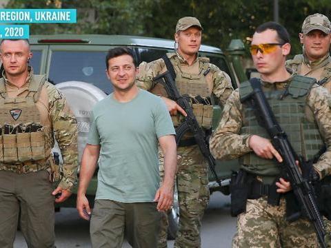 普京下令所有亲俄民兵停止开火,乌克兰总统主动嘉奖5名阵亡士兵