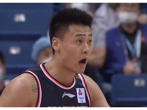 4分险胜!北京拼到3人抽筋,马布里更新动态,球迷:来北京执教