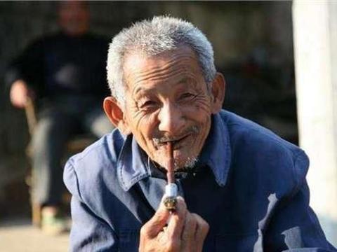 """62岁农村老汉,每天做3件事,成功摘掉乙肝""""帽子"""""""