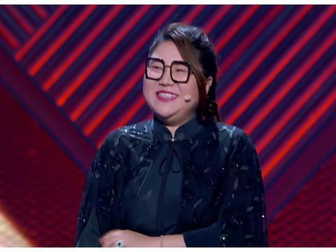 杨天真录节目下一字马,镜头特写她的动作,这连贯性我没眼花吧