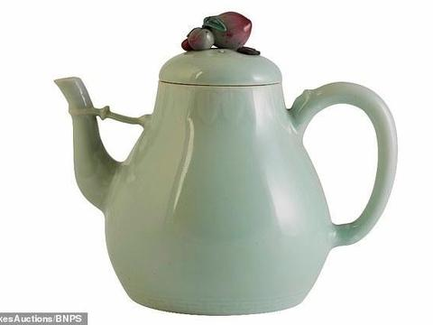 又一件!英民居发现乾隆年间古董茶壶,拍得900万,主人欣喜若狂