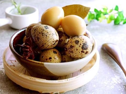 鹌鹑蛋怎么做好吃?在家自制五香鹌鹑蛋,鲜香入味易剥皮