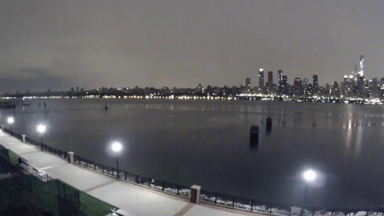 纽约曼哈顿遭遇大规模停电