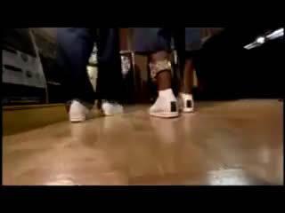 50 Cent分享了一段曾经和Jay-Z一起为Reebok拍摄的广告视频!