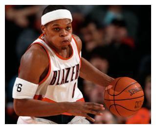 NBA四大刺头来中国打球,JR史密斯背信弃义,马丁消极怠工